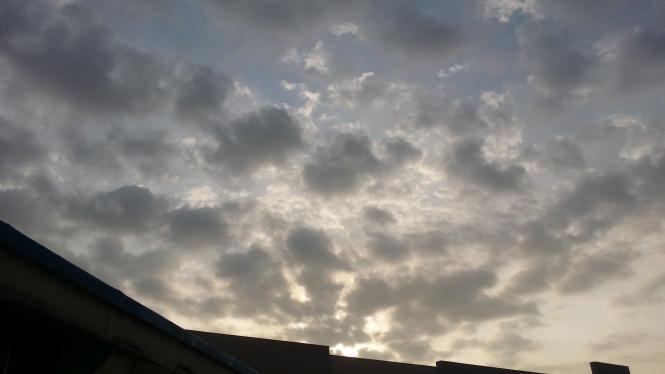 thelittleblackrose-cloudy